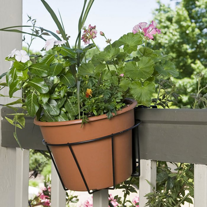 Frolic Metal Fence Planters Assemble Flower Pot Hangers